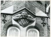 St.-Amandsberg: Bloemistenstraat: Beeldhouwwerk, 1979