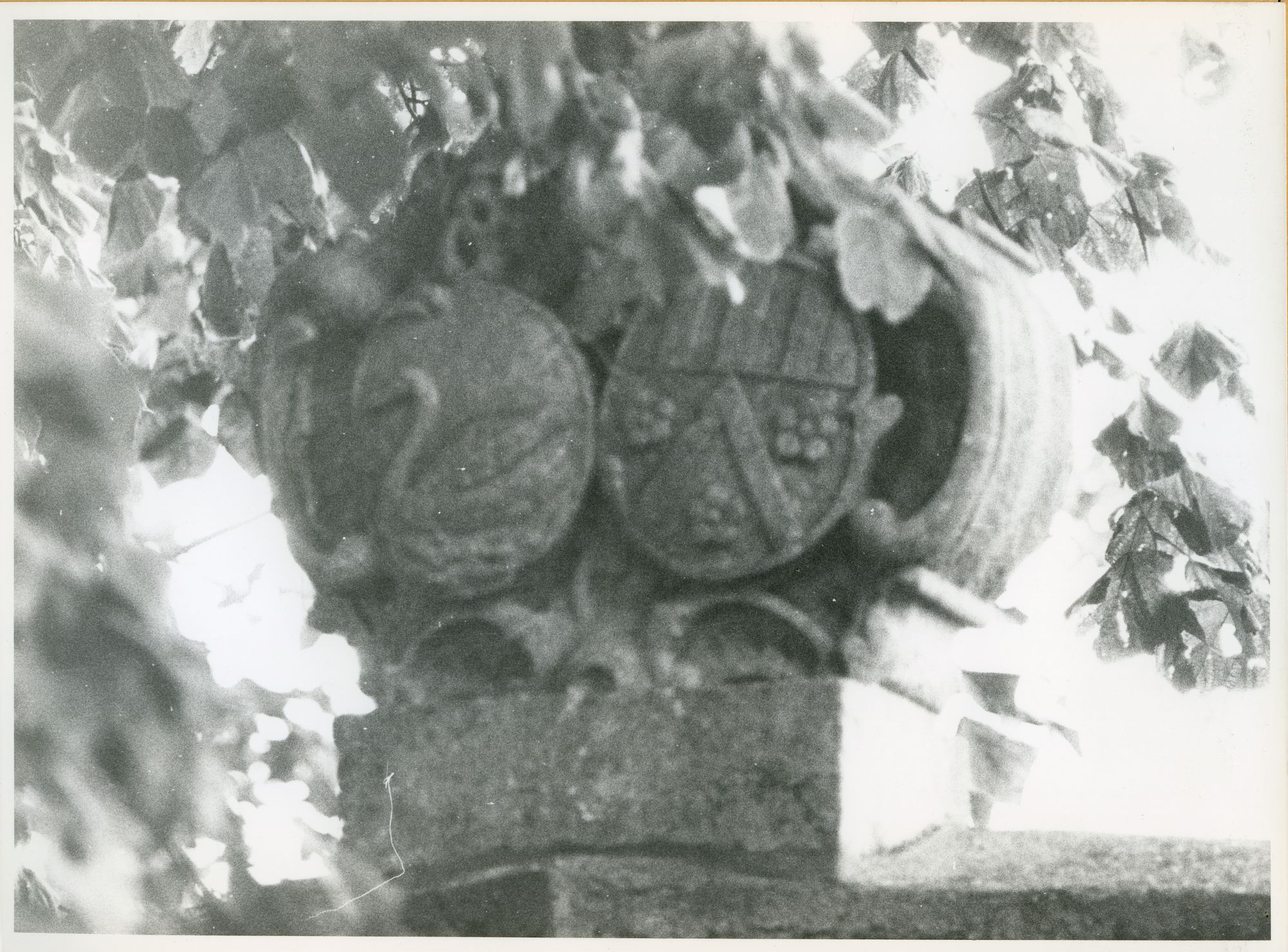 Mariakerke: Alphonse Claeys Bouuaertlaan: Wapenschild, 1979