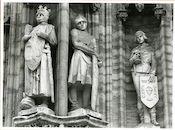 Gent: Botermarkt: stadhuis: nisbeelden: Filips van den Elzas, krijger en knaap der goudsmeden