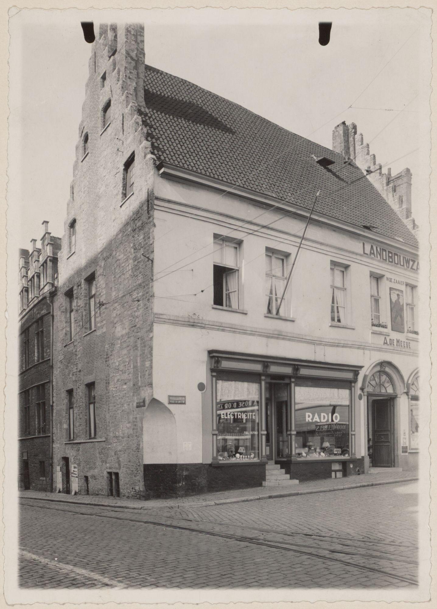 Gent: Trapgevelhuis, Goudenleeuwplein