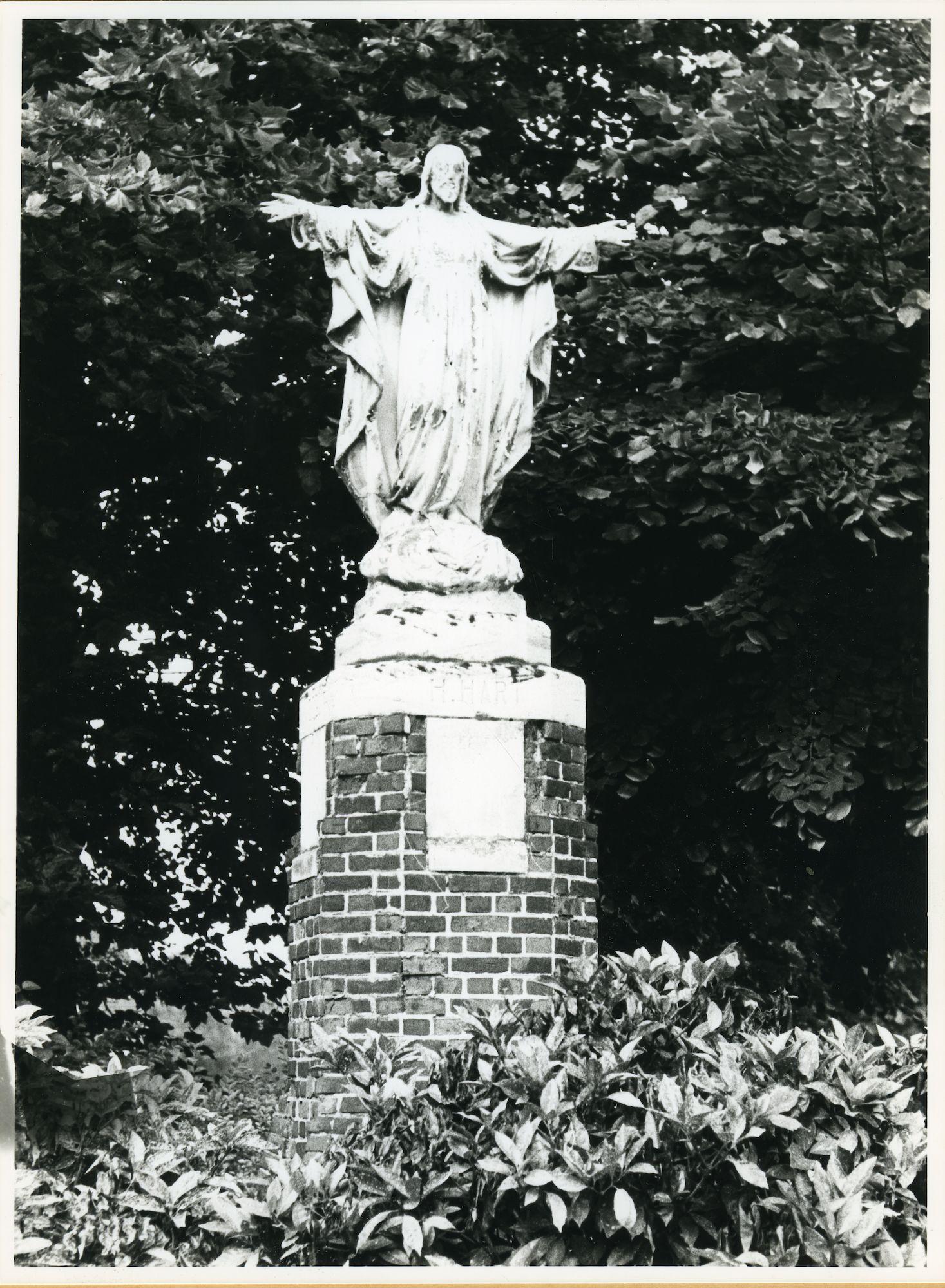 Mariakerke: Mariakerkeplein: Standbeeld, 1979
