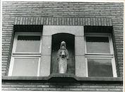 Gent: Sint Lievenspoortstraat 129: nis en beeld, 1979