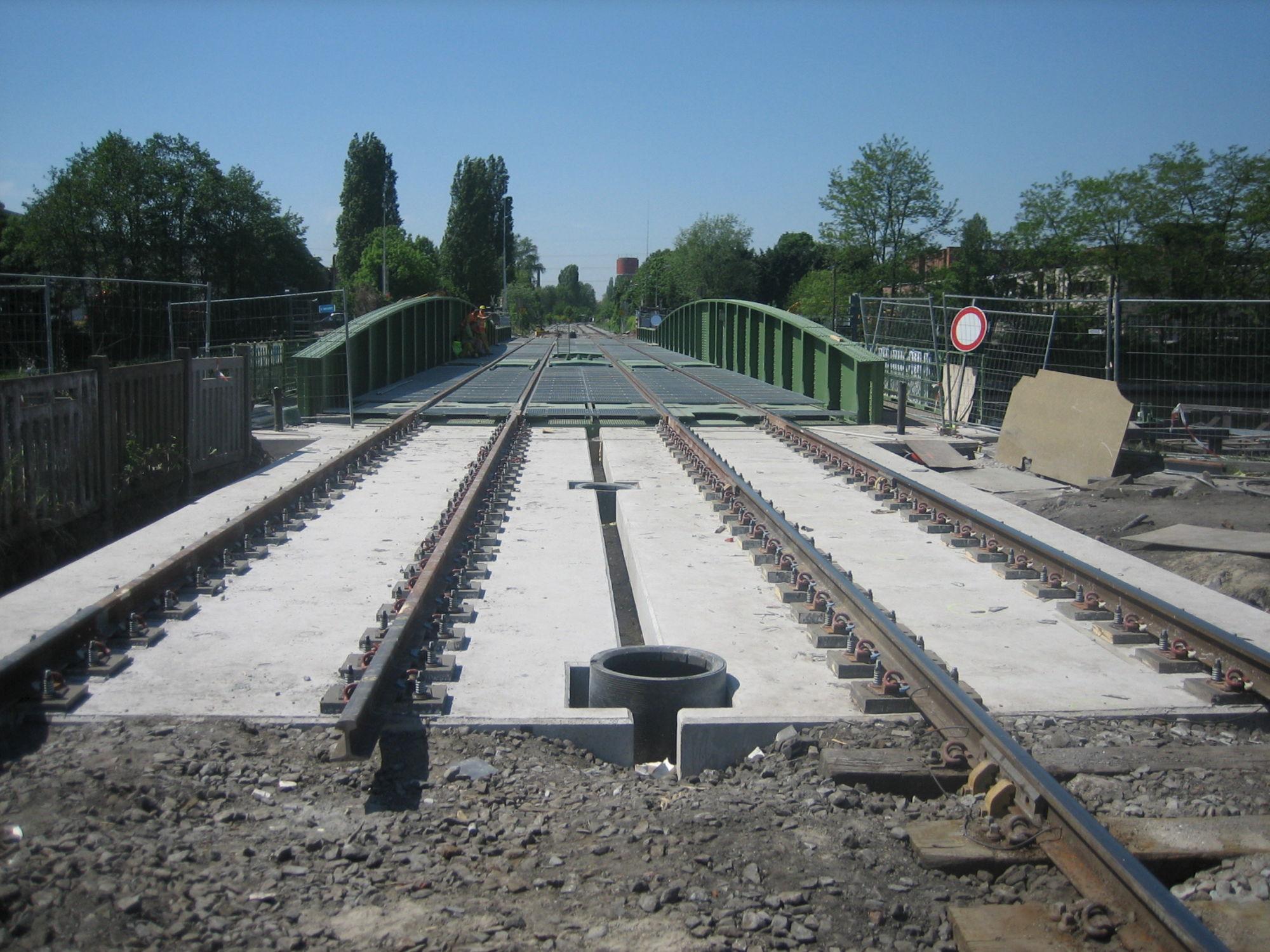 Wijk 10 Meulestede 2008-05-03 nieuwe spoorwegbrug