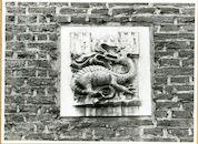 Gent: Geldmunt 36: gevelsteen: vuurspuwende draak