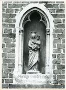Sint-Denijs-Westrem: Putkapelstraat 10: Gevelbeeld, 1979