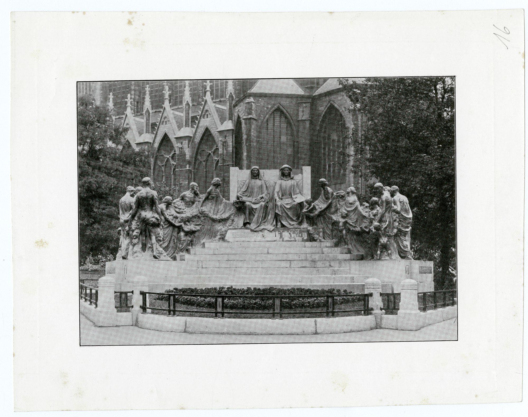 beeld Hubert en Jan Van Eyck