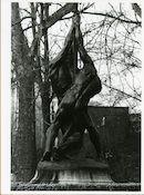 Gent: Citadelpark: Standbeeld: Vlaggeplanters