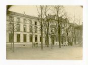 Gent: Kouter: de gebouwen van de Wirtschaftsausschuss (economische inspectie van het Duitse leger) aan de zuidzijde van het plein, 1915-1916