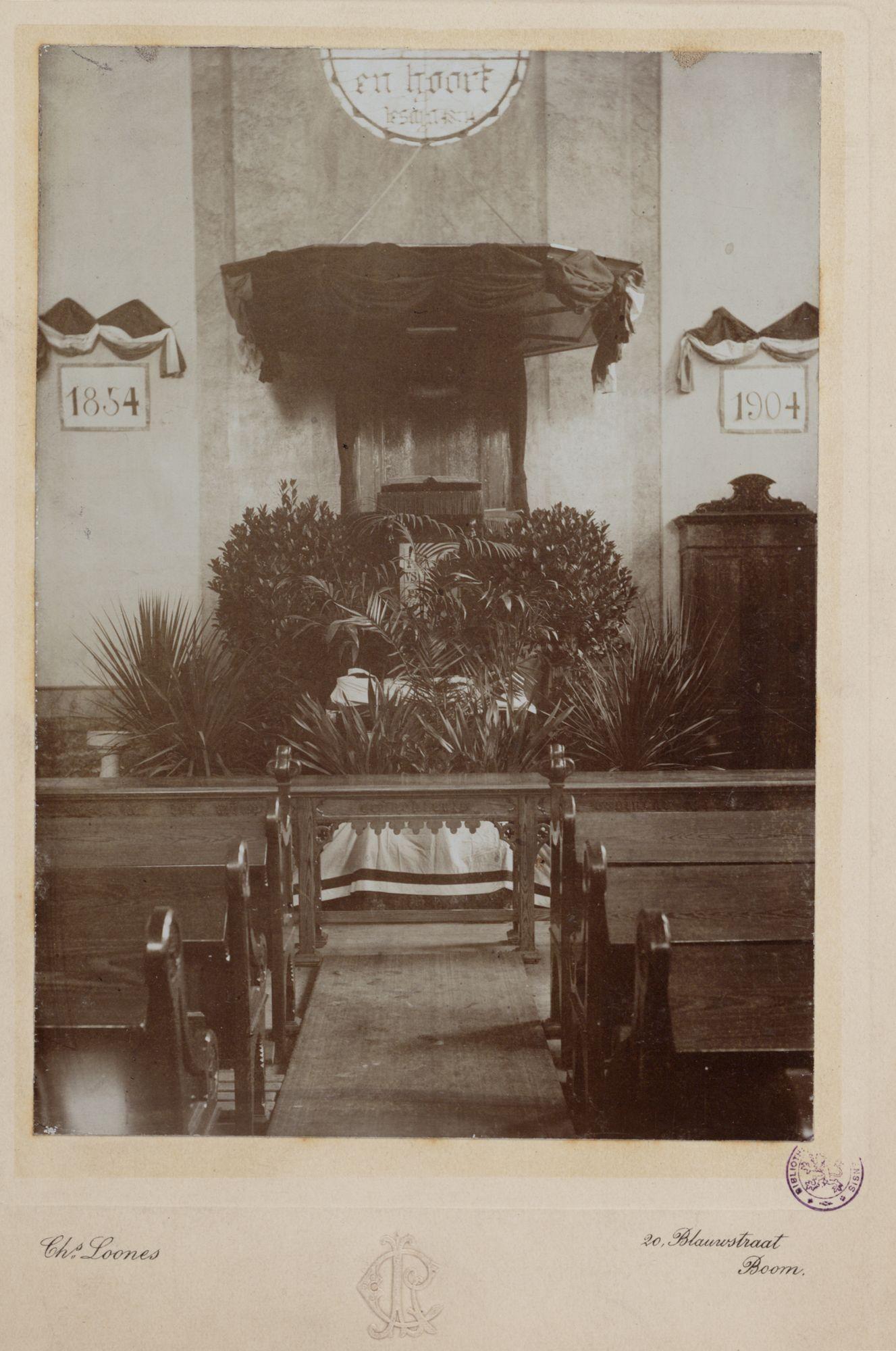 Gent: Begijnhoflaan: Protestantse kerk: versierde preekstoel, 1904