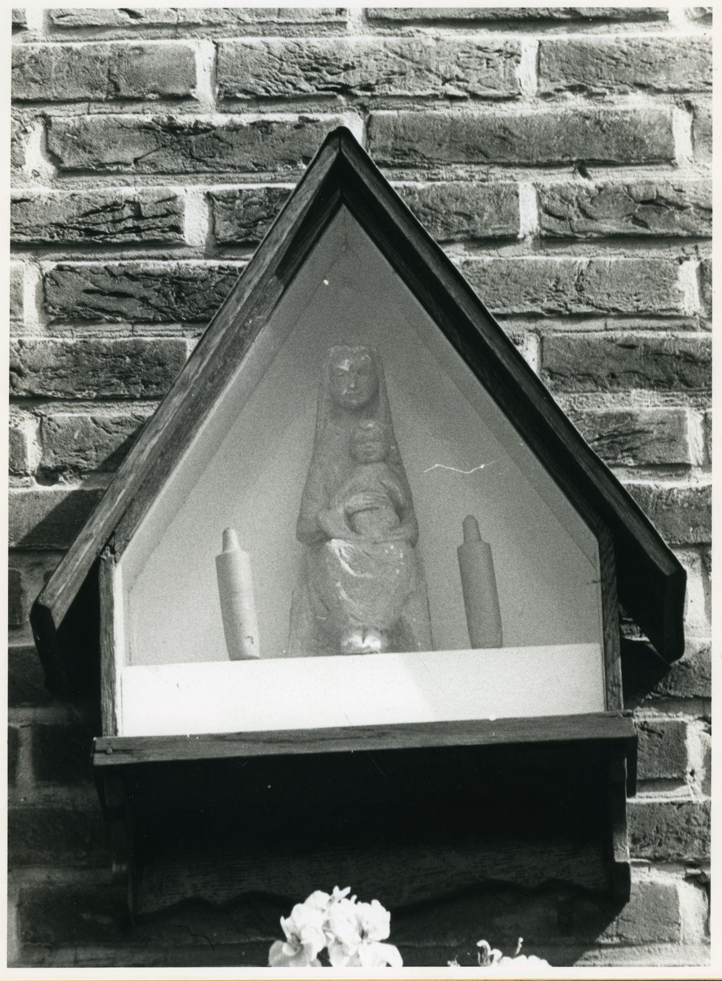 Gent: Zwijnaardse Steenweg 493-495: Gevelkapel, 1979