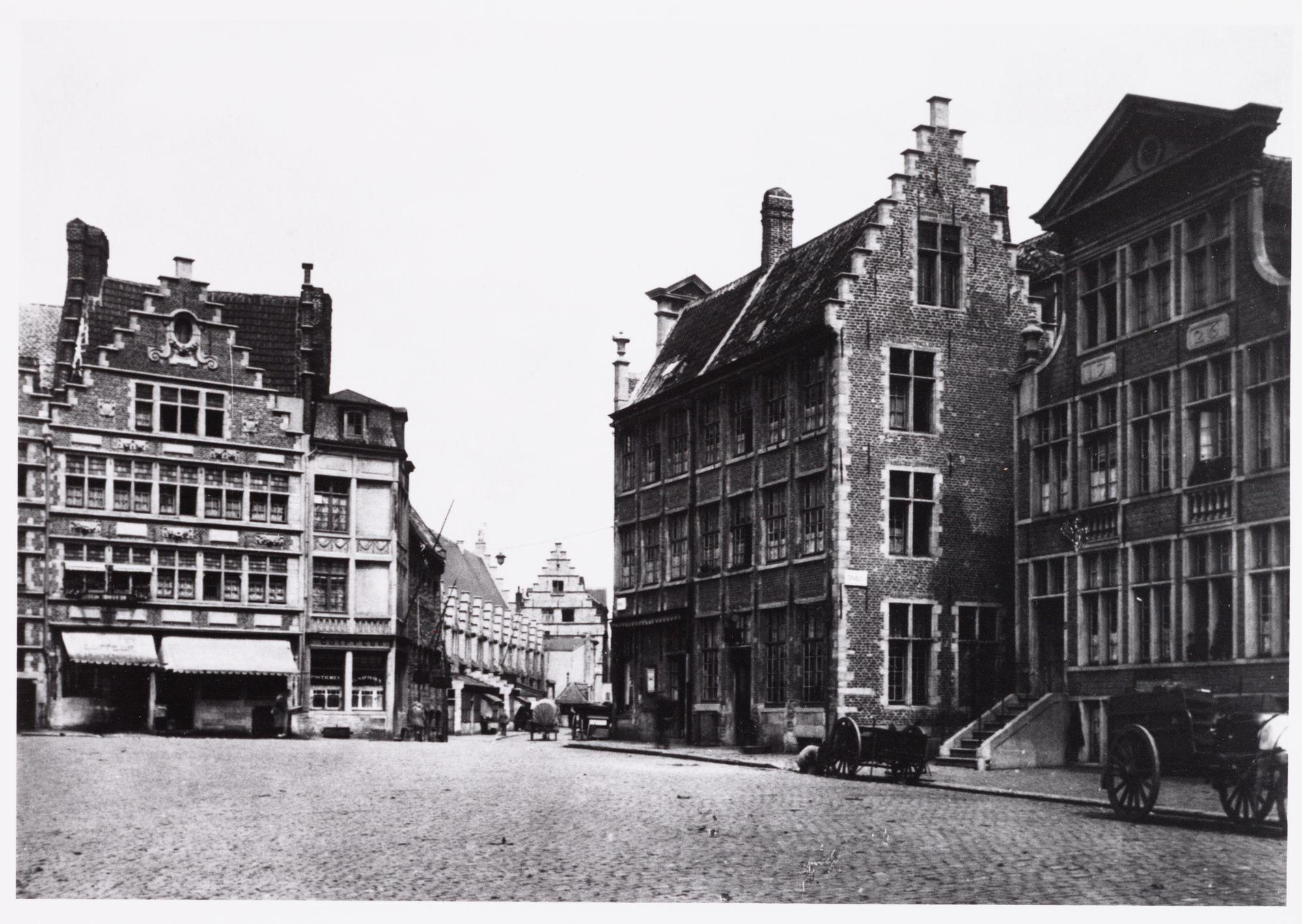 Gent: Graslei, met achteraan de Pensmarkt