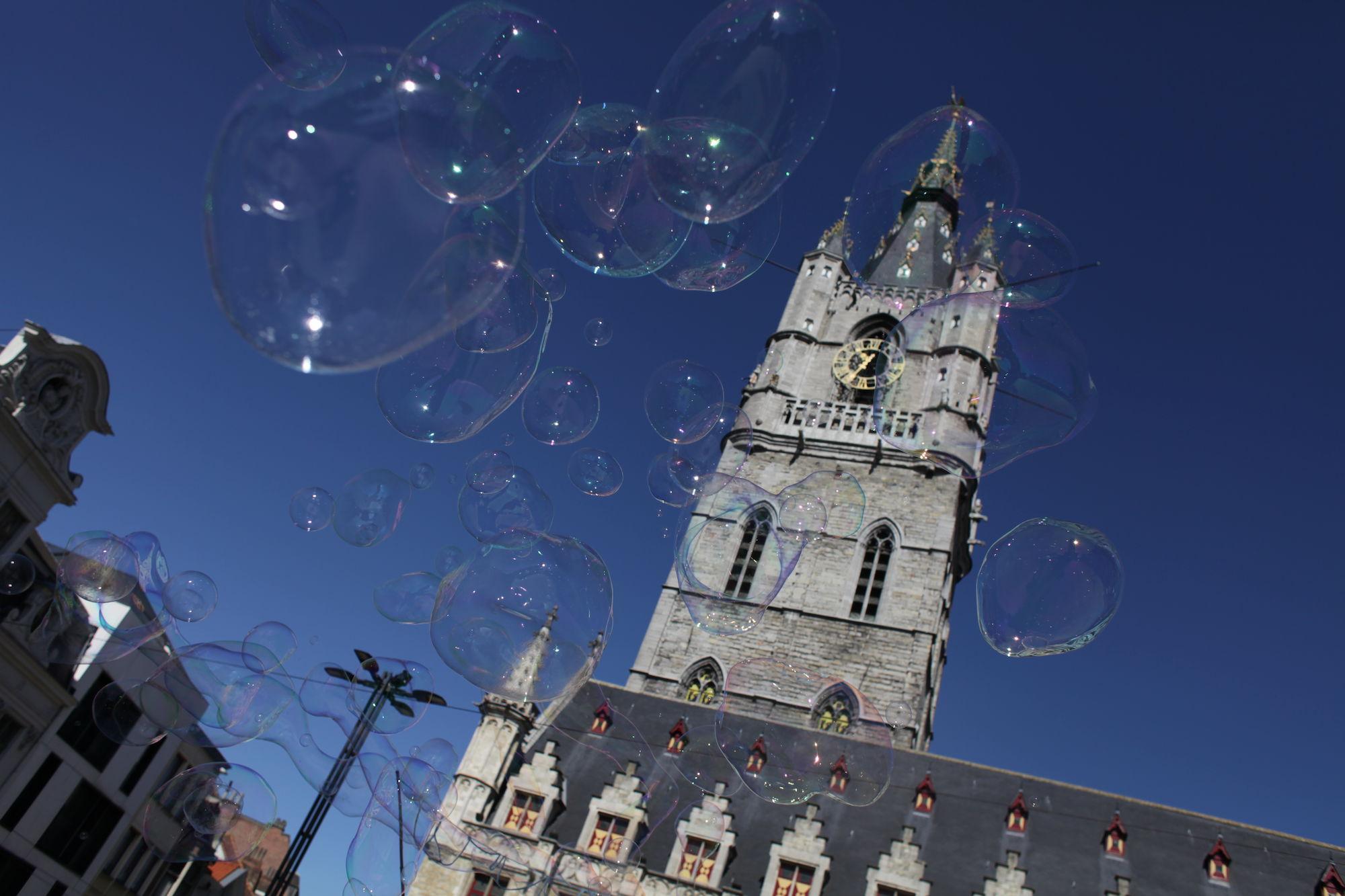 2019-05-14 Stad Gent_St Baafsplein Belfort Zeepbellen_IMG_9790.JPG
