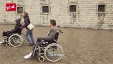 18_01907 Vrijwilliger rolstoel BEURS.mp4