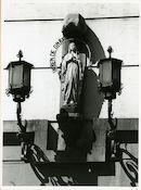 Gent: Berouw - Tolhuislaan: gevelbeeld: Maria (Onze-Lieve-Vrouw), 1979