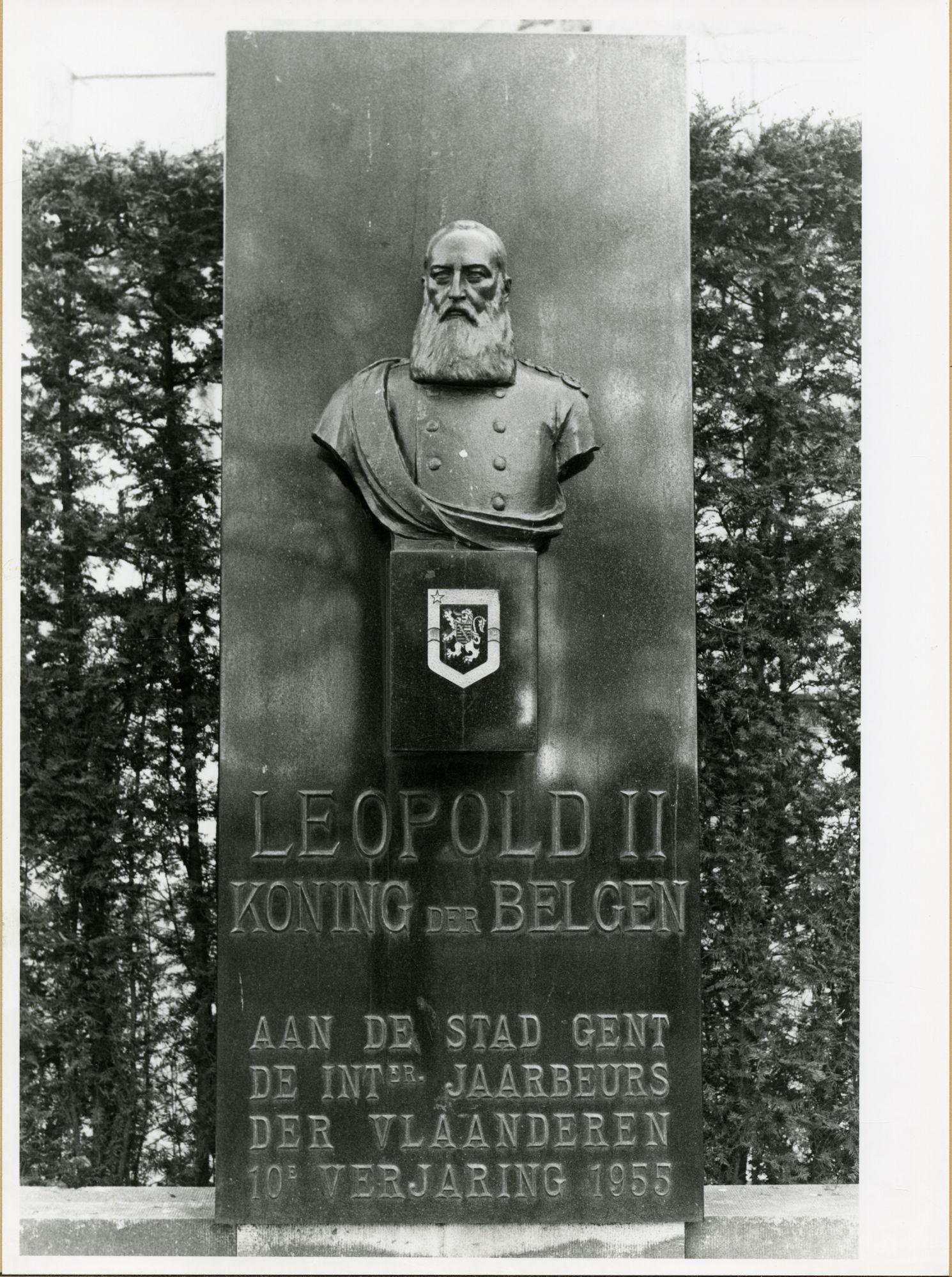 Gent: Franklin Rooseveltlaan: monument: Koning Leopold II