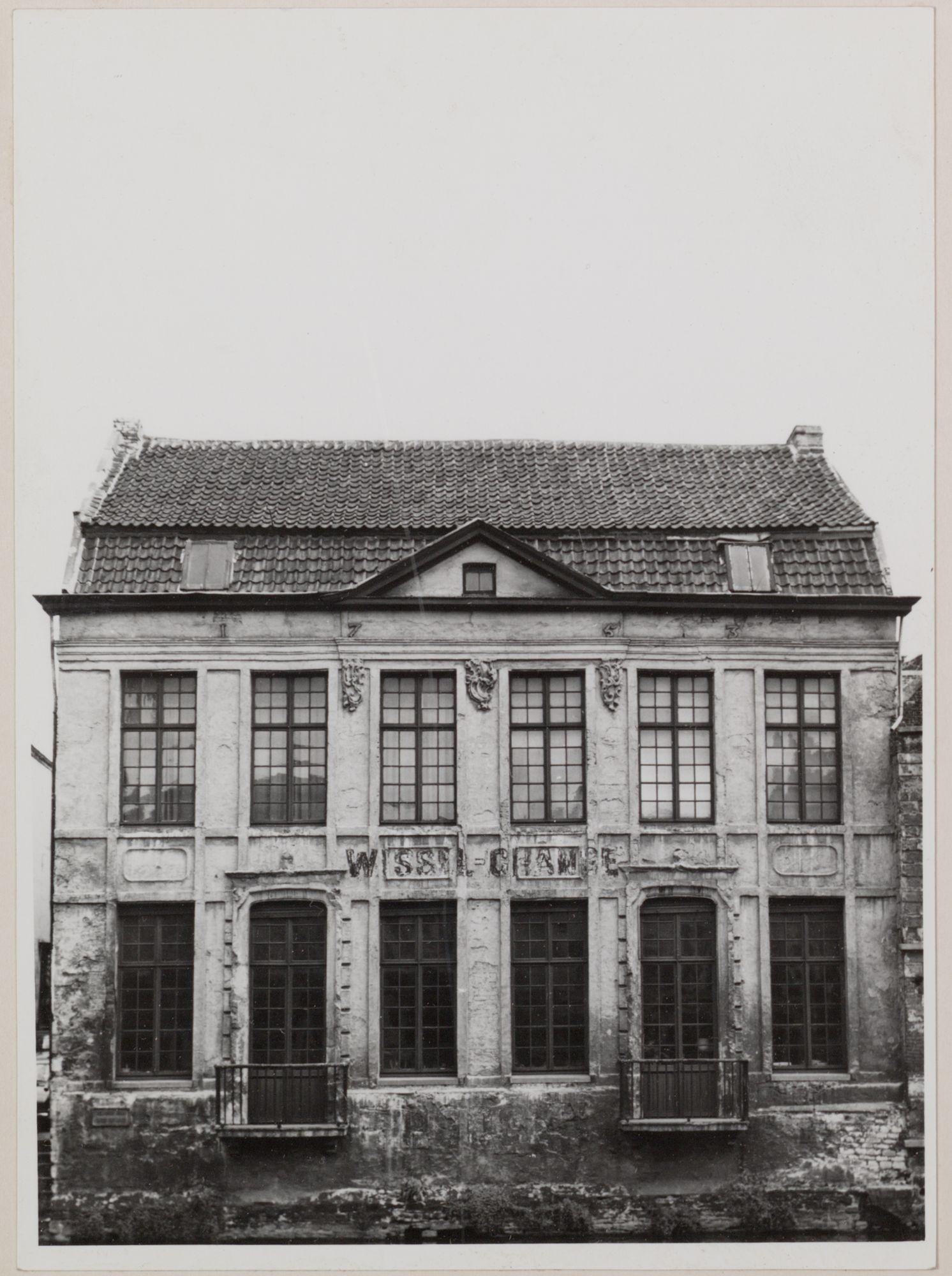Gent: Huis, Hoefslagstraatje, achtergevel uitgevend op Leie, gezien van Korenlei