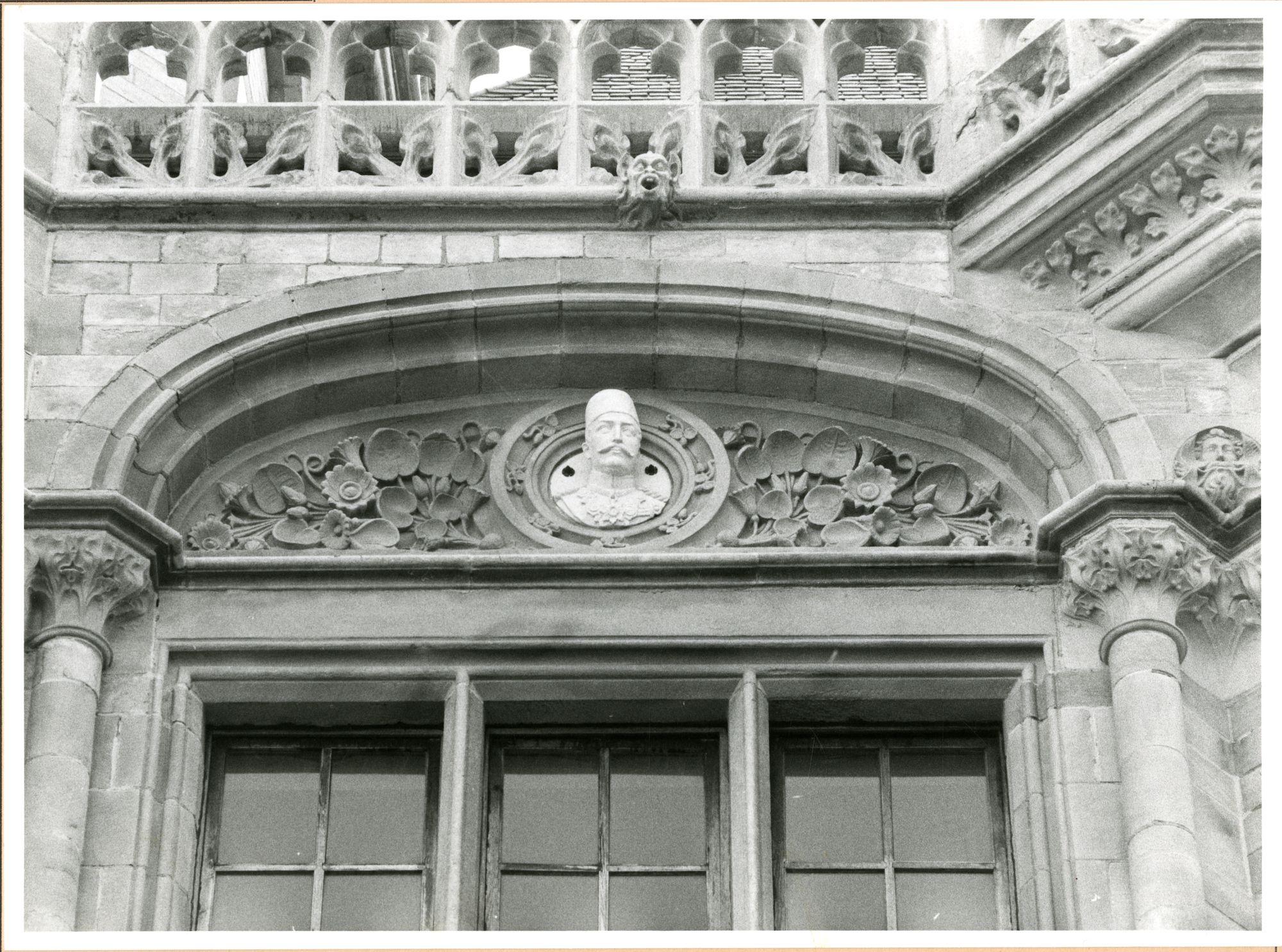 Gent: Graslei: Postgebouw: buste: Abbas II,1980
