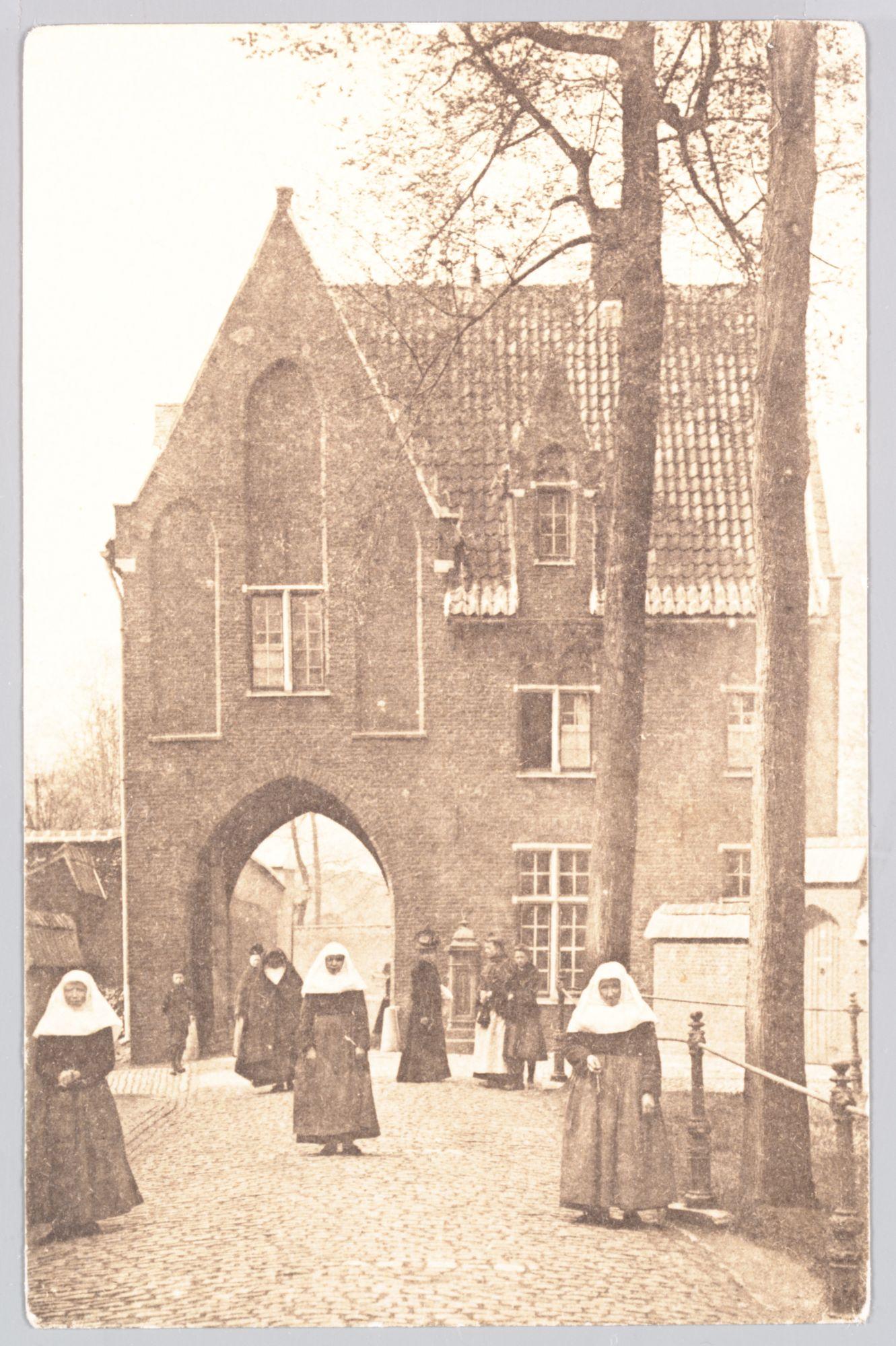 Sint-Amandsberg: Groot Begijnhof: toegangspoort kant binnenplein