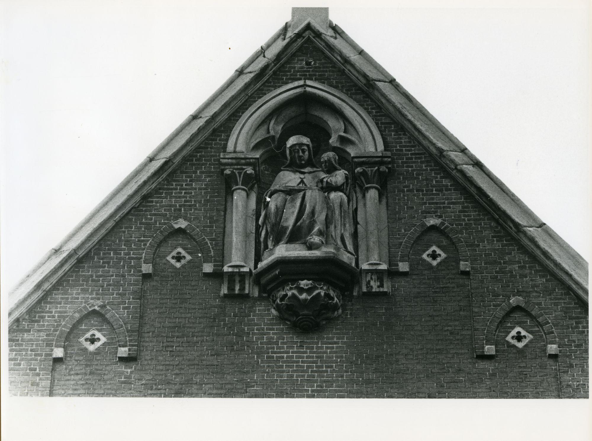 Gent: Sint Lievenspoortstraat 142: nis en beeld, 1979