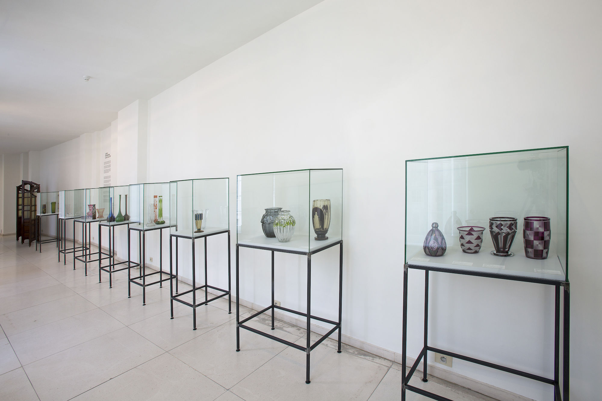 Alonso International Glass Collection