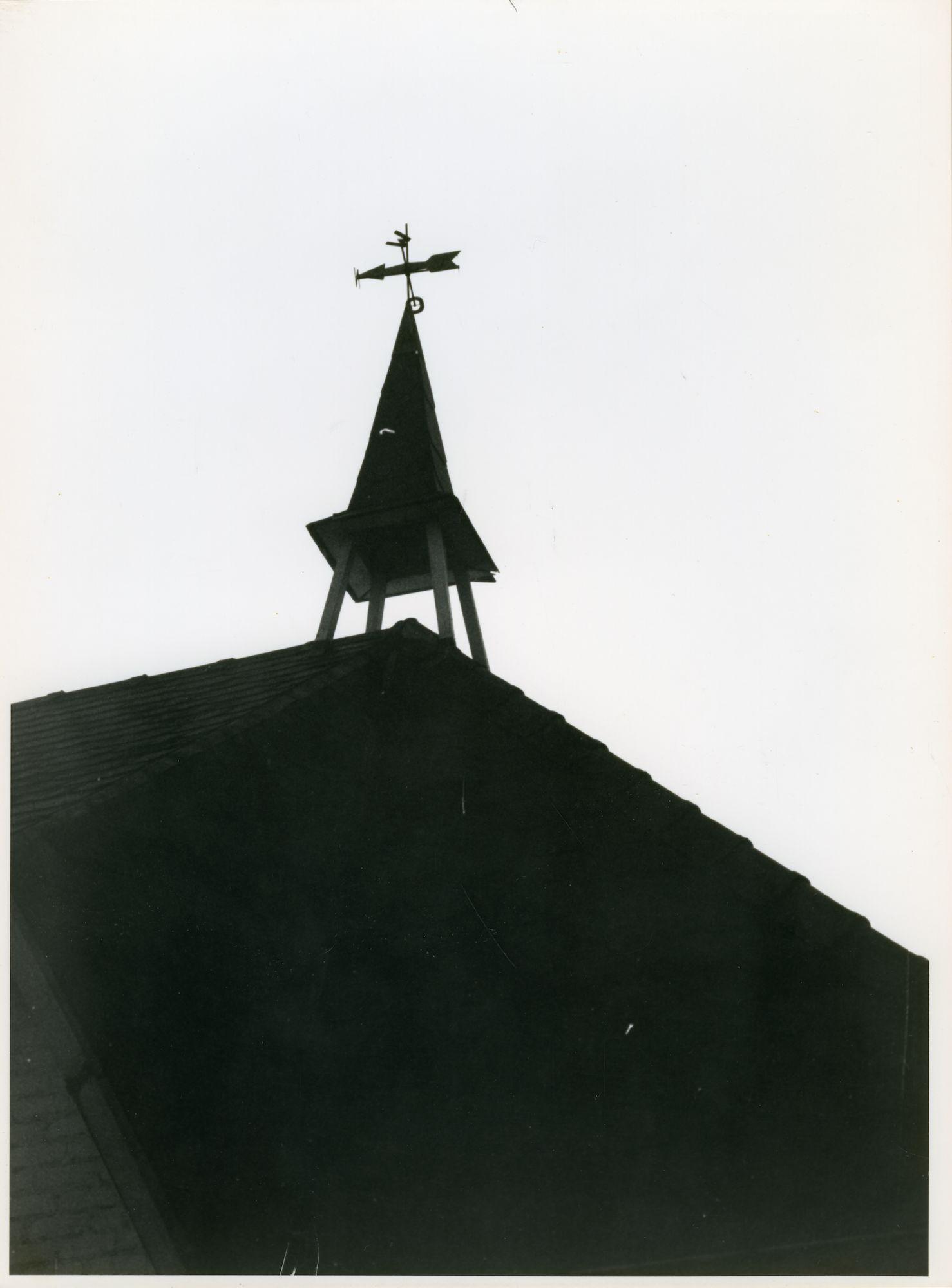 Oostakker: Gefusilleerdenstraat 6: Klok, 1979