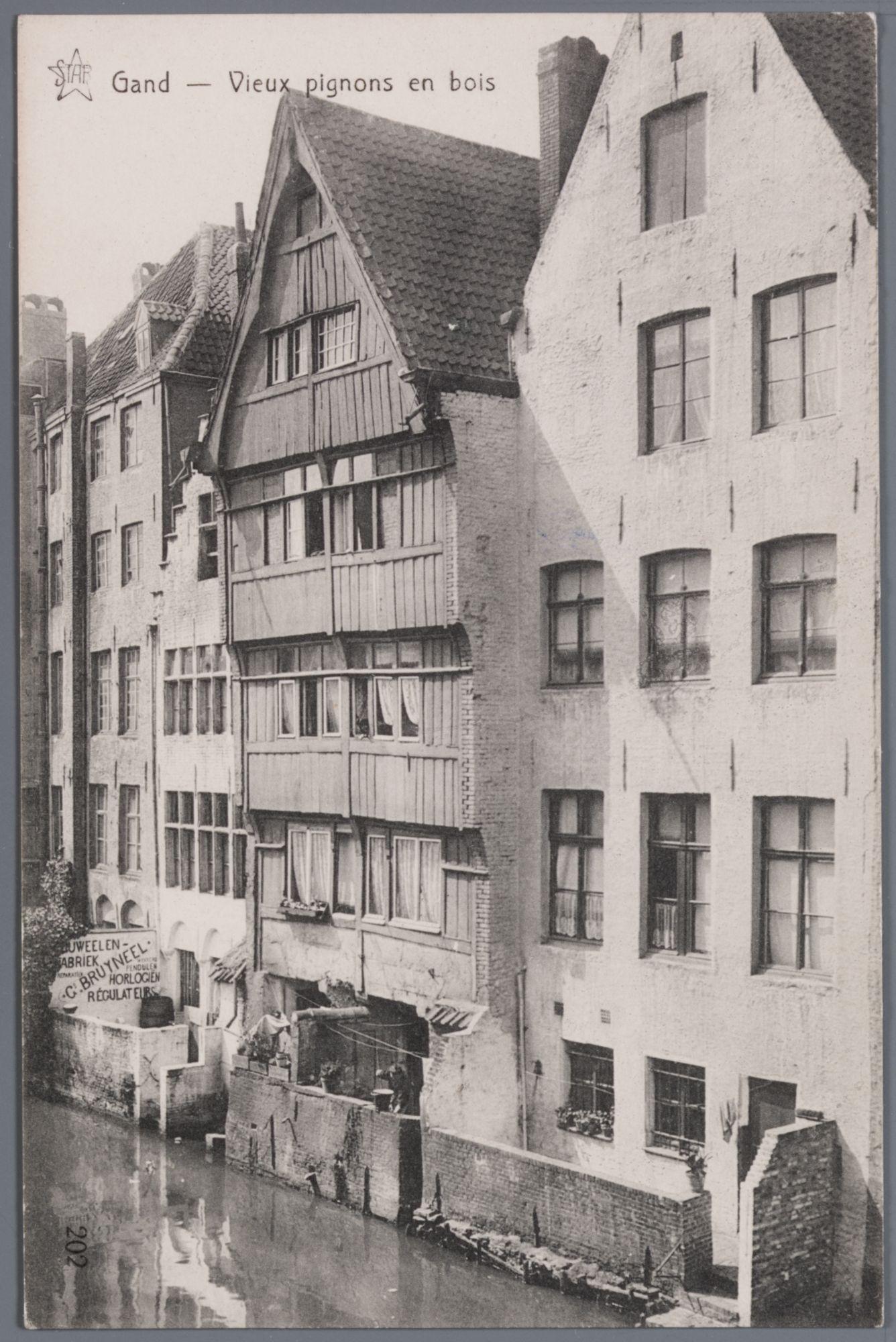 Gent: houten huis aan de Lieve, achtergevel Jan Breydelstraat