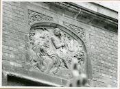 Gent: Biezekapelstraat - Conservatorium: reliëf: Apollo, 1979