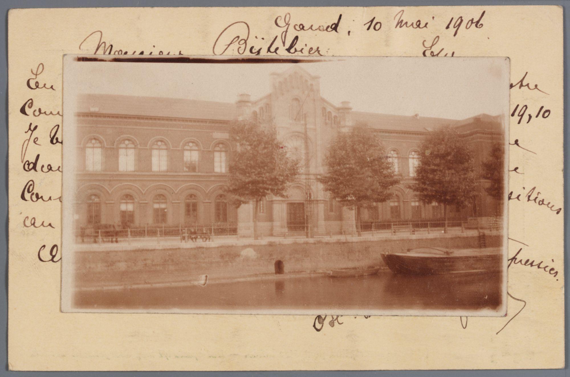 Gent: Ferdinand Lousbergskaai: het Lousbergsgesticht (rusthuis), na 1912