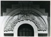 Drongen: Drongenstationstraat 16: Beeldhouwwerk, 1979