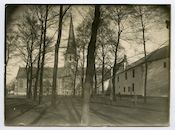 Gent: Antonius Triestlaan: Sint-Martinuskerk (Ekkergemkerk) en Militair Hospitaal (voormalig klooster van Deinze), 1915-1916