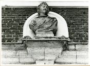 Gent: Lange Violettenstraat: Buste