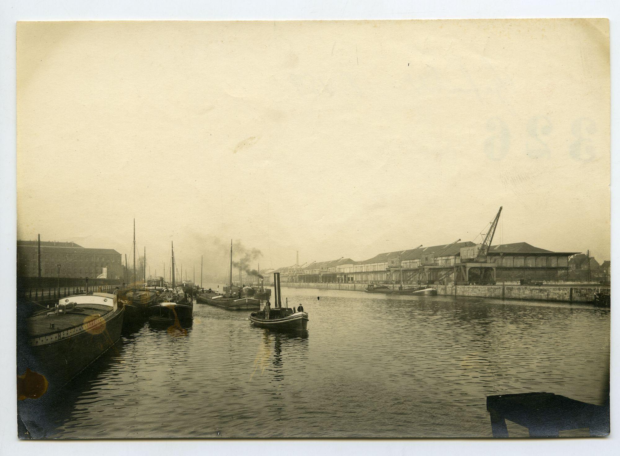 Gent: Wiedauwkaai en Voorhavenkaai: Voorhaven, 1915-1916