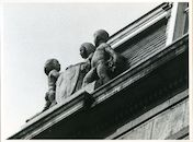 Gent: Voldersstraat 1: Gevelbeelden, 1979