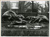 Gent: Citadelpark: beeldhouwwerk: Vechtende tijgers