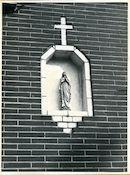 Oostakker: Bredestraat 43: Gevelbeeld, 1979