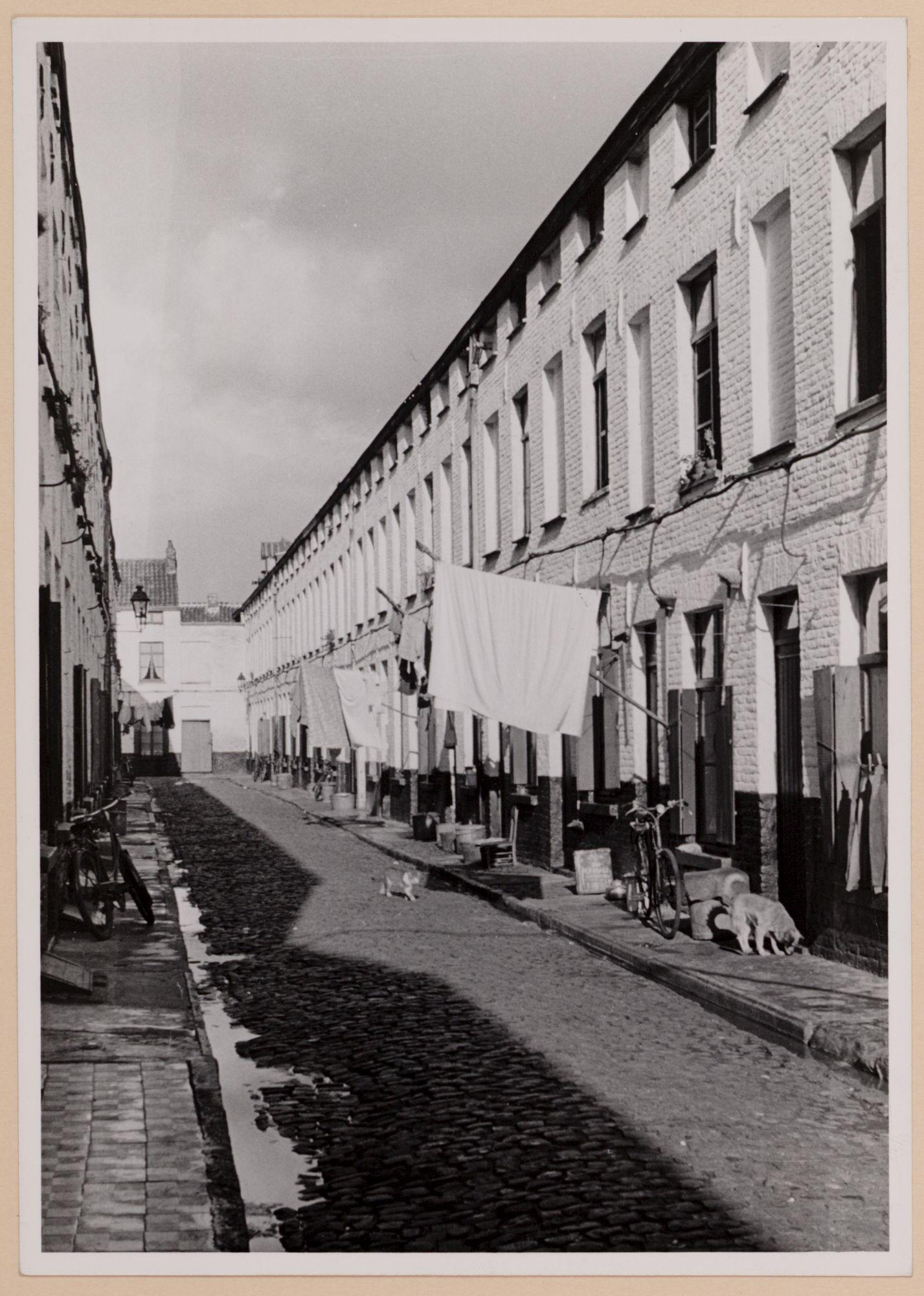 Gent: Kerkhofstraat. Beluik