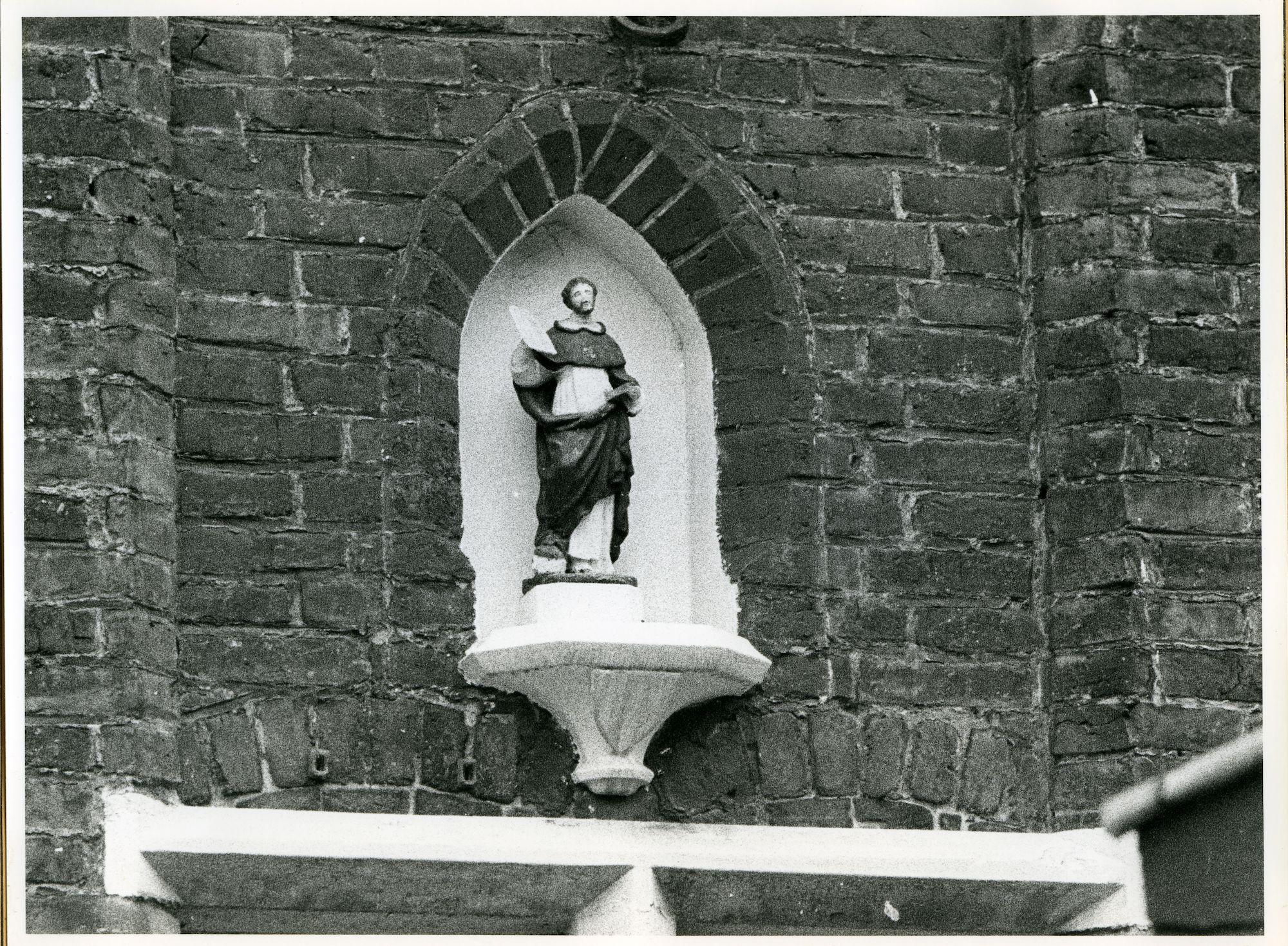 Sint-Amandsberg: Begijnhof 36: Gevelbeeld