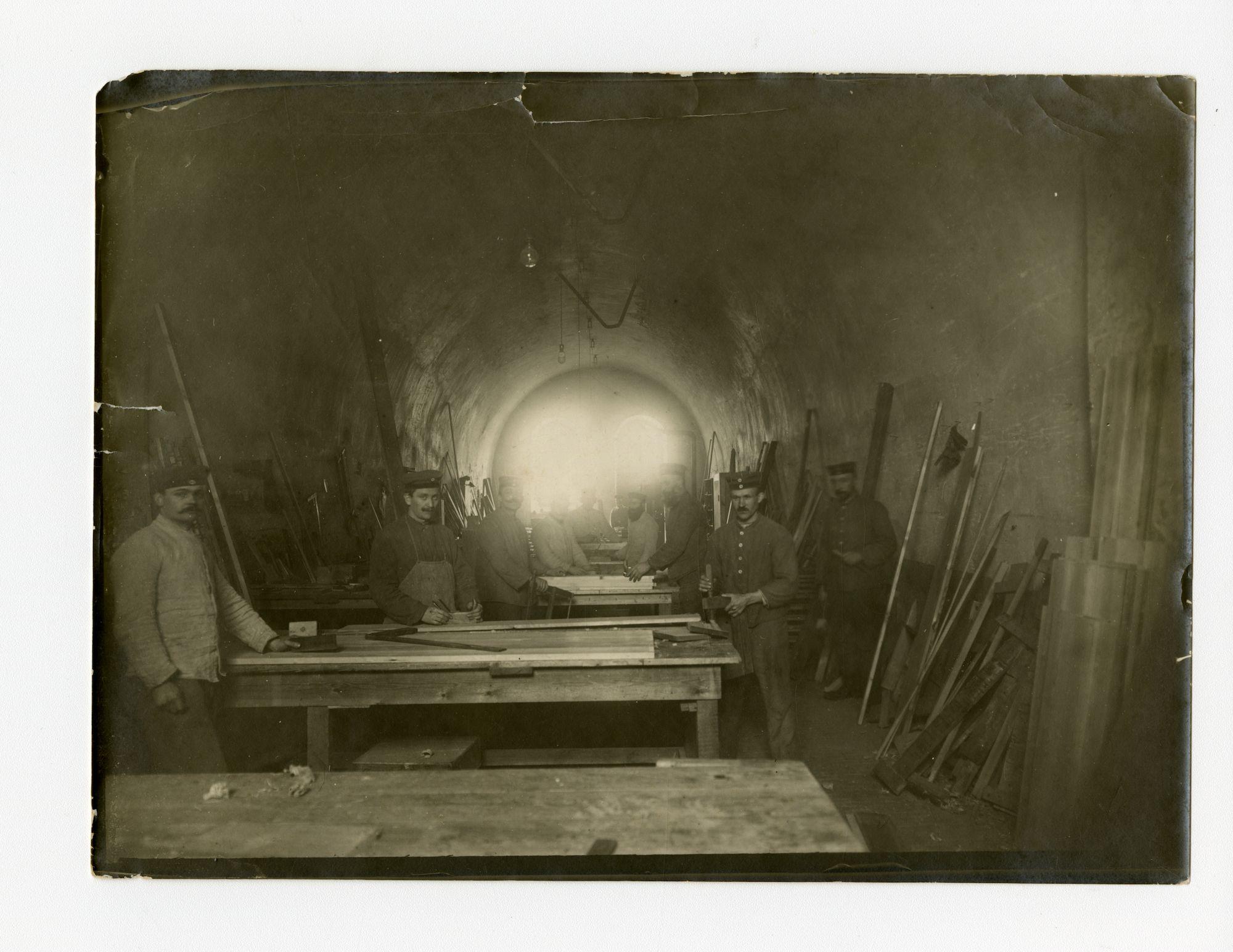 Gent: Citadelpark: kazematten: schrijnwerkersatelier van de Genesungsabteilung (revalidatieafdeling), 1915-1916