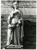 Gent: Harelbekestraat: school: gevelbeeld: Heilige Gerardus,1979