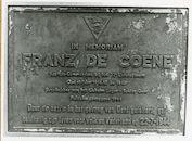 Gent: Franz De Coenestraat: parking Sarma: gedenkplaat: Franz De Coene, 1979