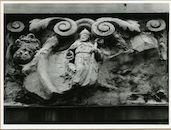 Gent: Cataloniëstraat 2: Gevelsteen: Sint Nicolaas van Myra