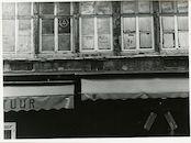 Gent: Kleine Vismarkt 4-6: Beeldhouwwerk, 1979