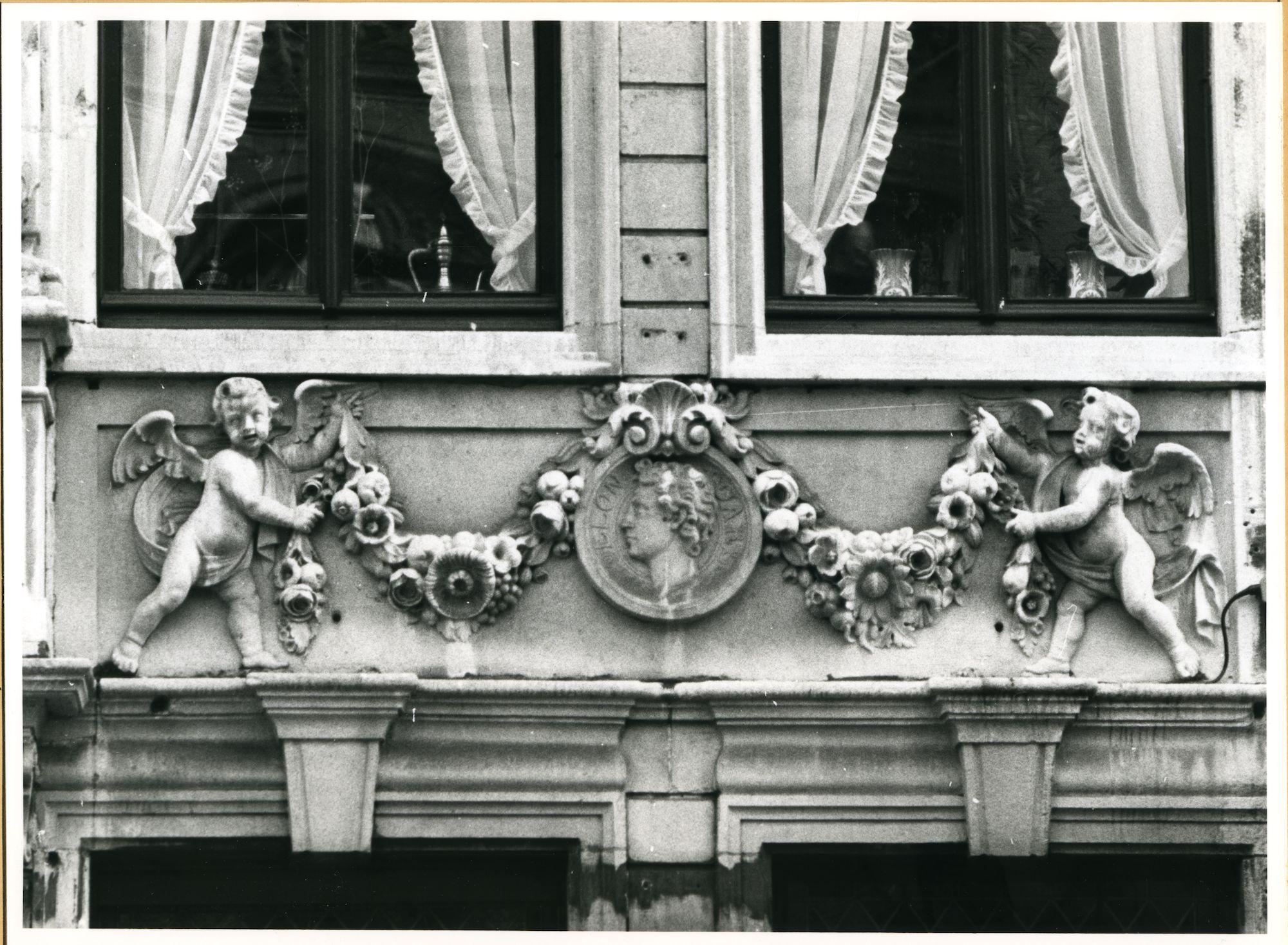 Gent: Sint Michielshelling 5: Beeldhouwwerk, 1979