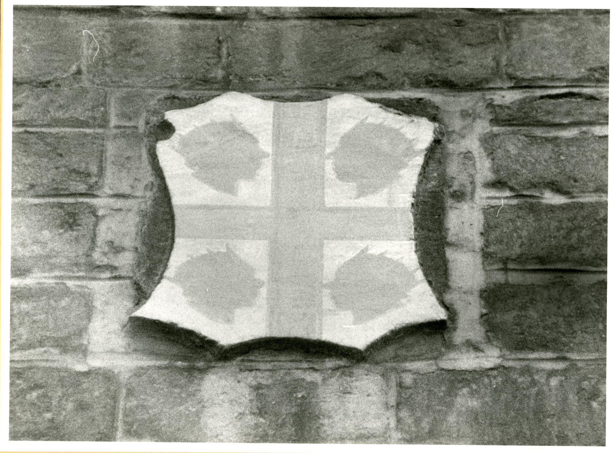 Gent: Hoogpoort: St-Jorishof: Cartouche: wapenschild van Sardinië, 1979