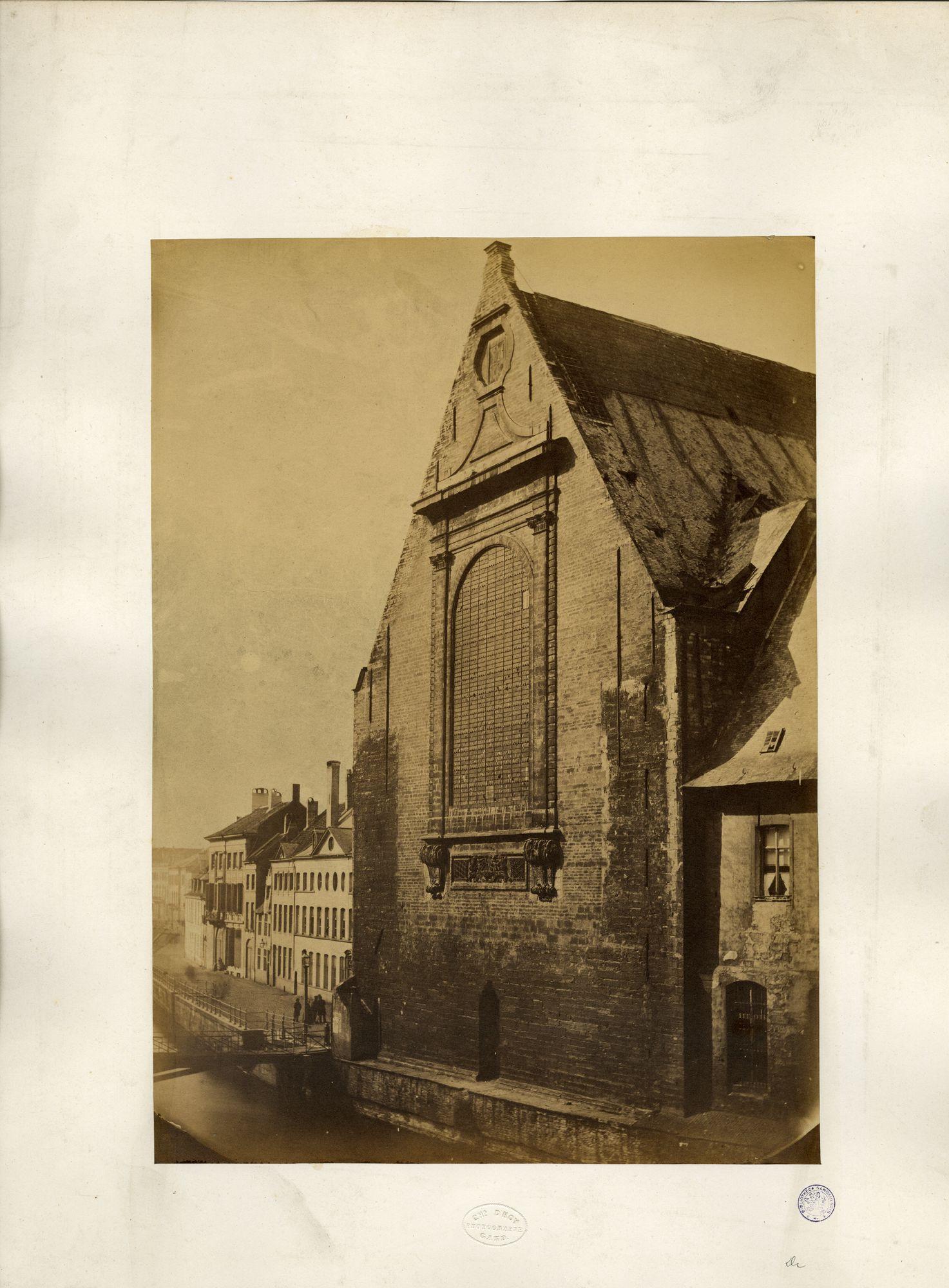 Gent: Predikherenkerk Oostzijde kant Leie. Predikherenbrugje en links de Ajuinlei.