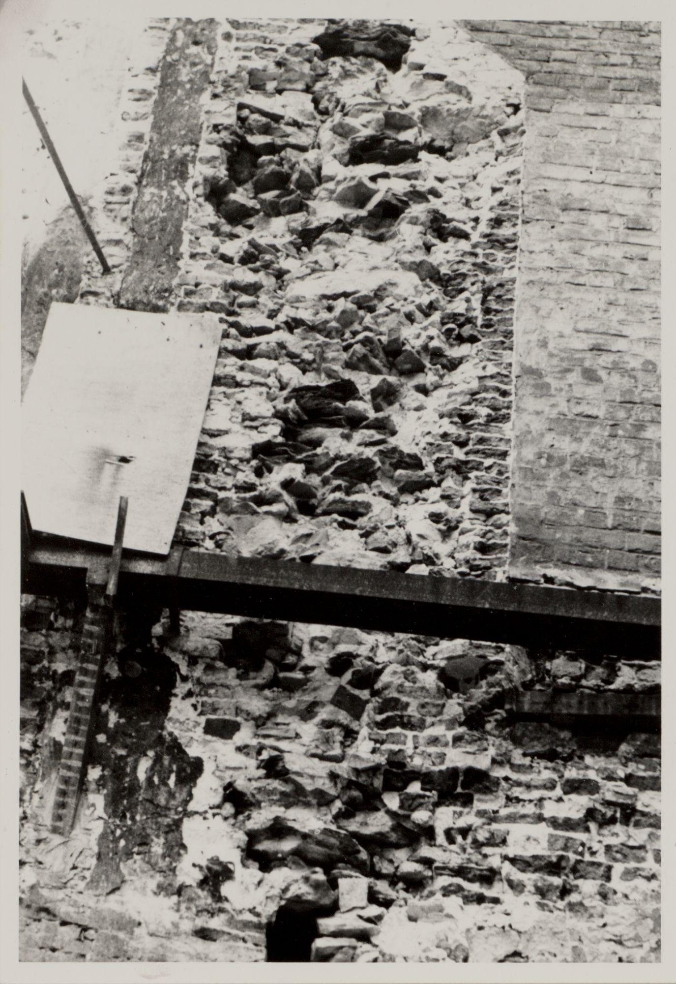 Gent: Vrijdagmarkt, afbraak huis, nr.48, 1953