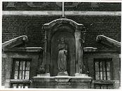 Gent: Begijnhofdries 20: nis met beeld: Gravin Johanna