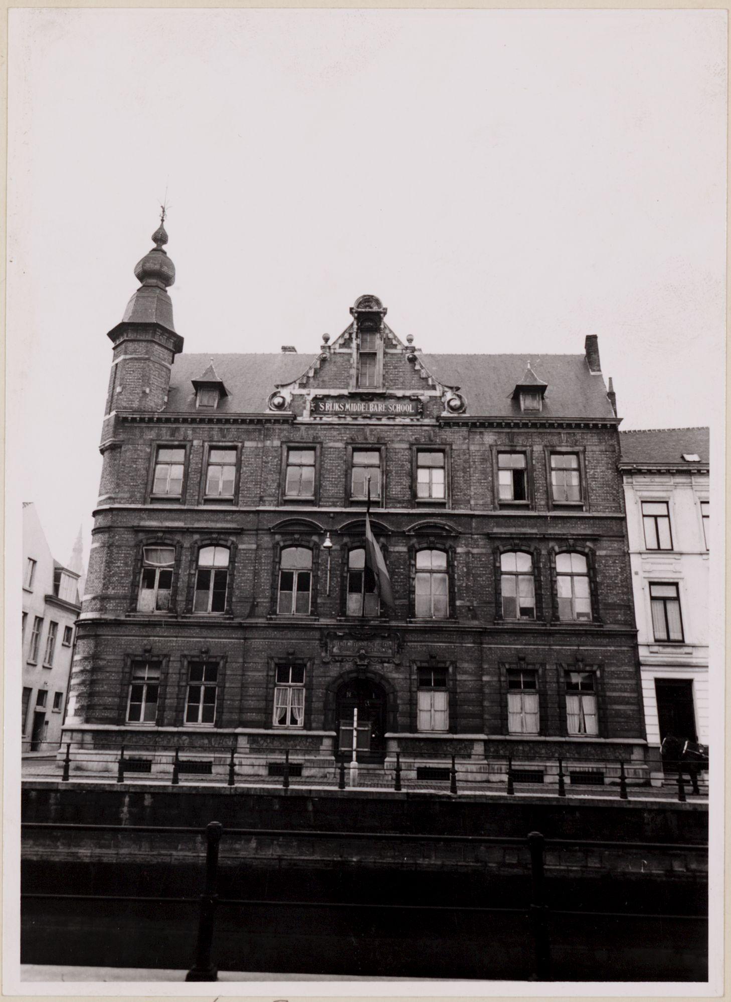 Gent: Rijksmiddelbare School, Bisdomkaai