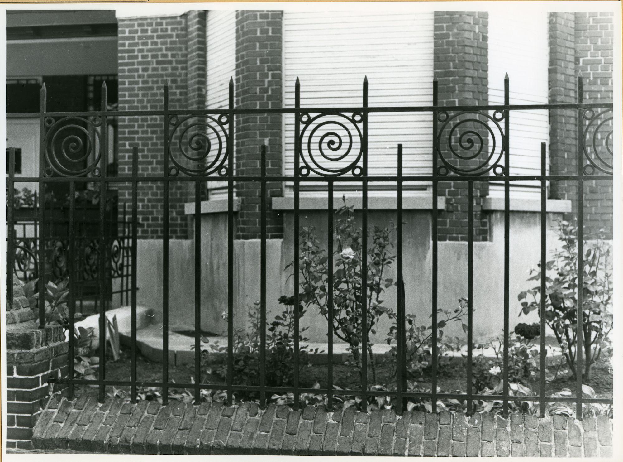 Gent: Patijntjesstraat 16-18: Hek, 1979