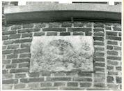 Gent: Smidsestraat 59: Beeldhouwwerk, 1979